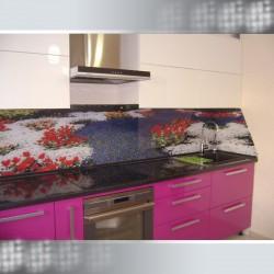 Изготовление кухонных фартуков из стекла