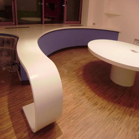 Акриловая столешница для стола в комнату